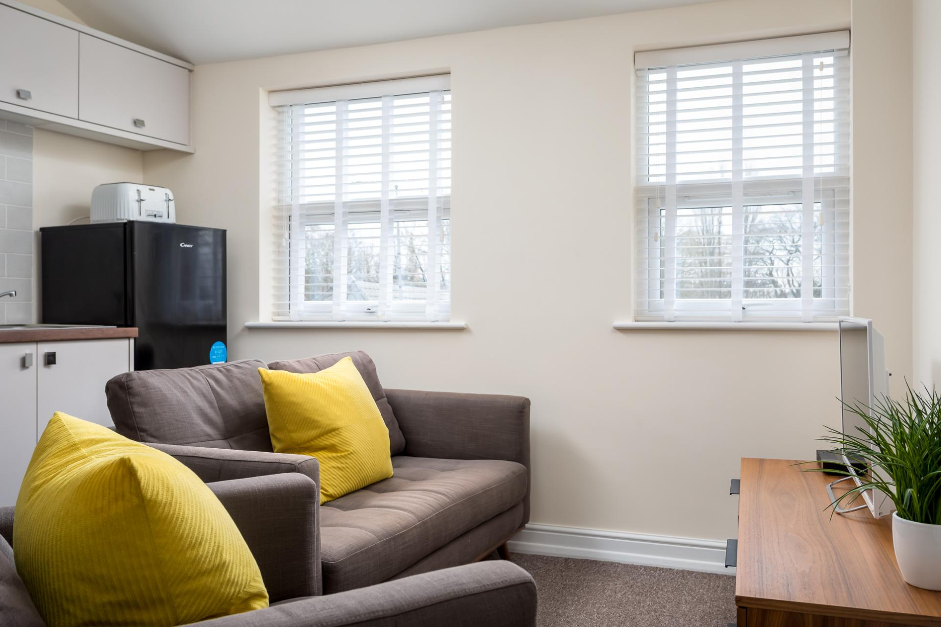 Living area at High Street Serviced Apartment - Citybase Apartments
