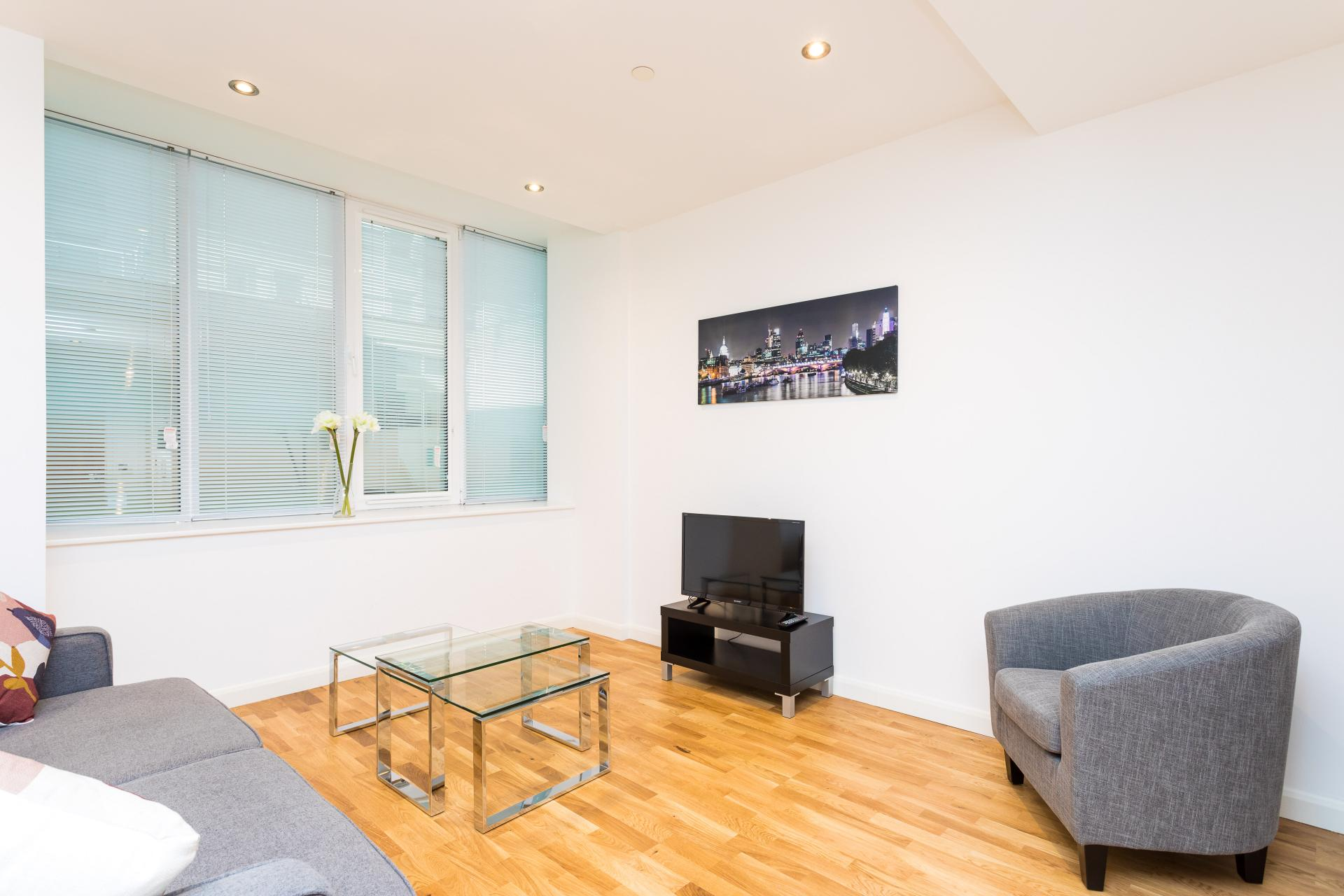 Lounge at Emerald House Apartments - Citybase Apartments