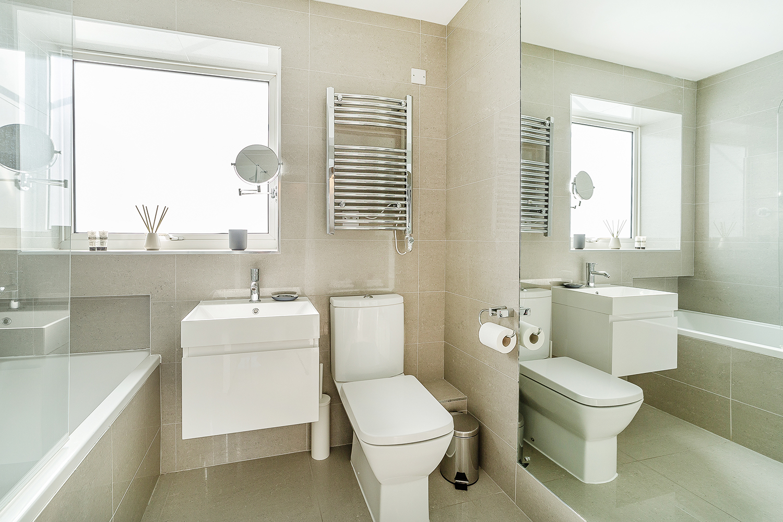 Bathroom at Marlborough Street Apartment - Citybase Apartments