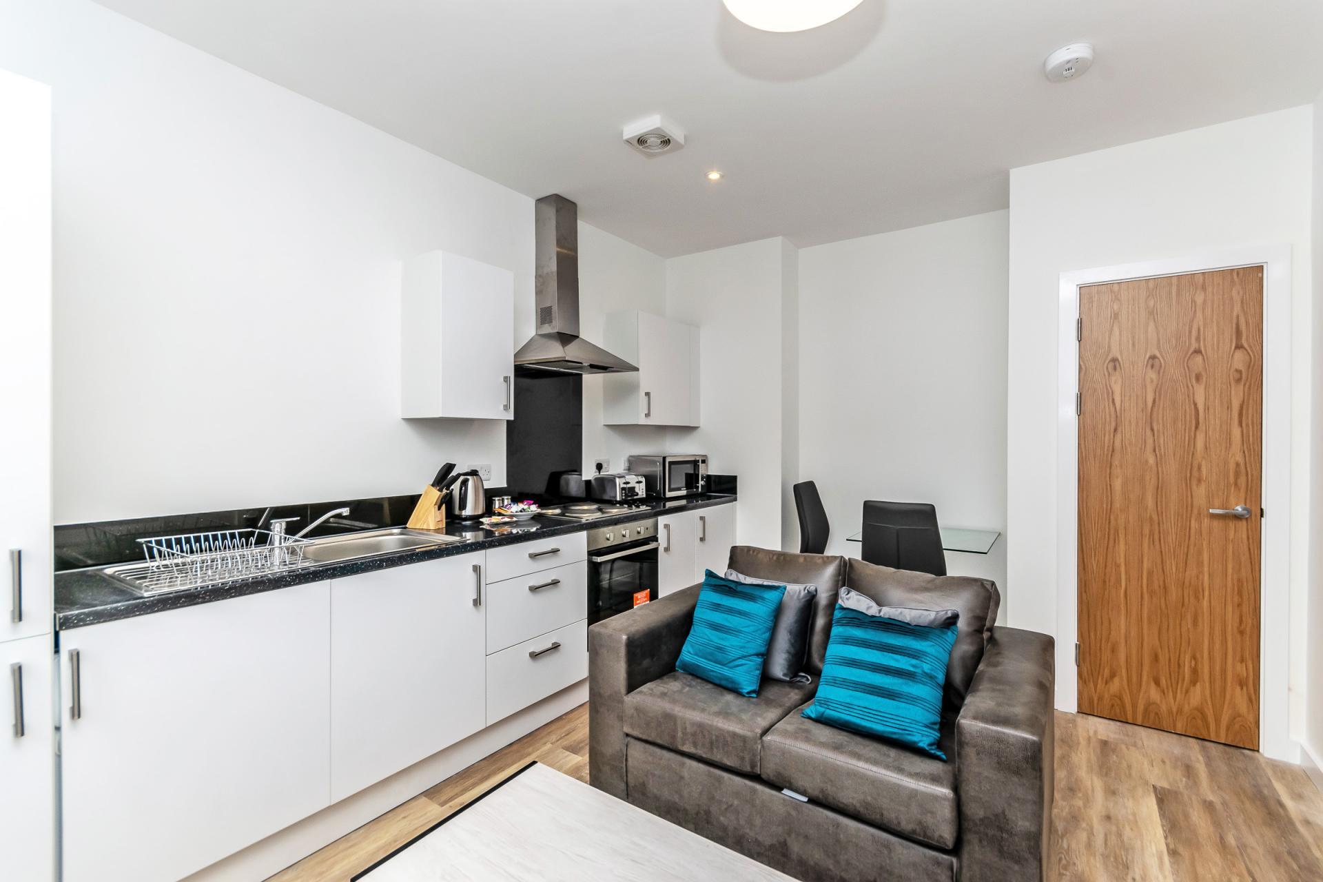 Kitchen at City Suites Apartments - Citybase Apartments