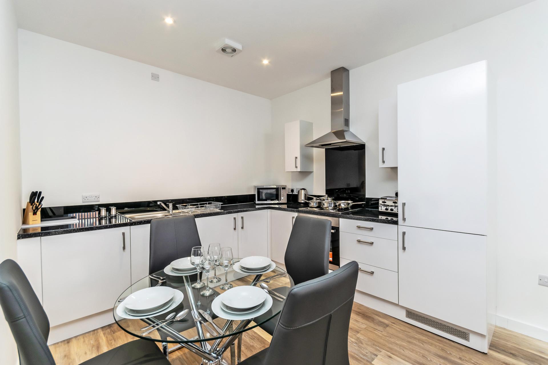 Spacious kitchen at City Suites Apartments - Citybase Apartments