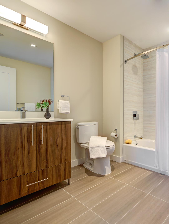 Spacious bathroom at The Benjamin Serviced Apartments - Citybase Apartments