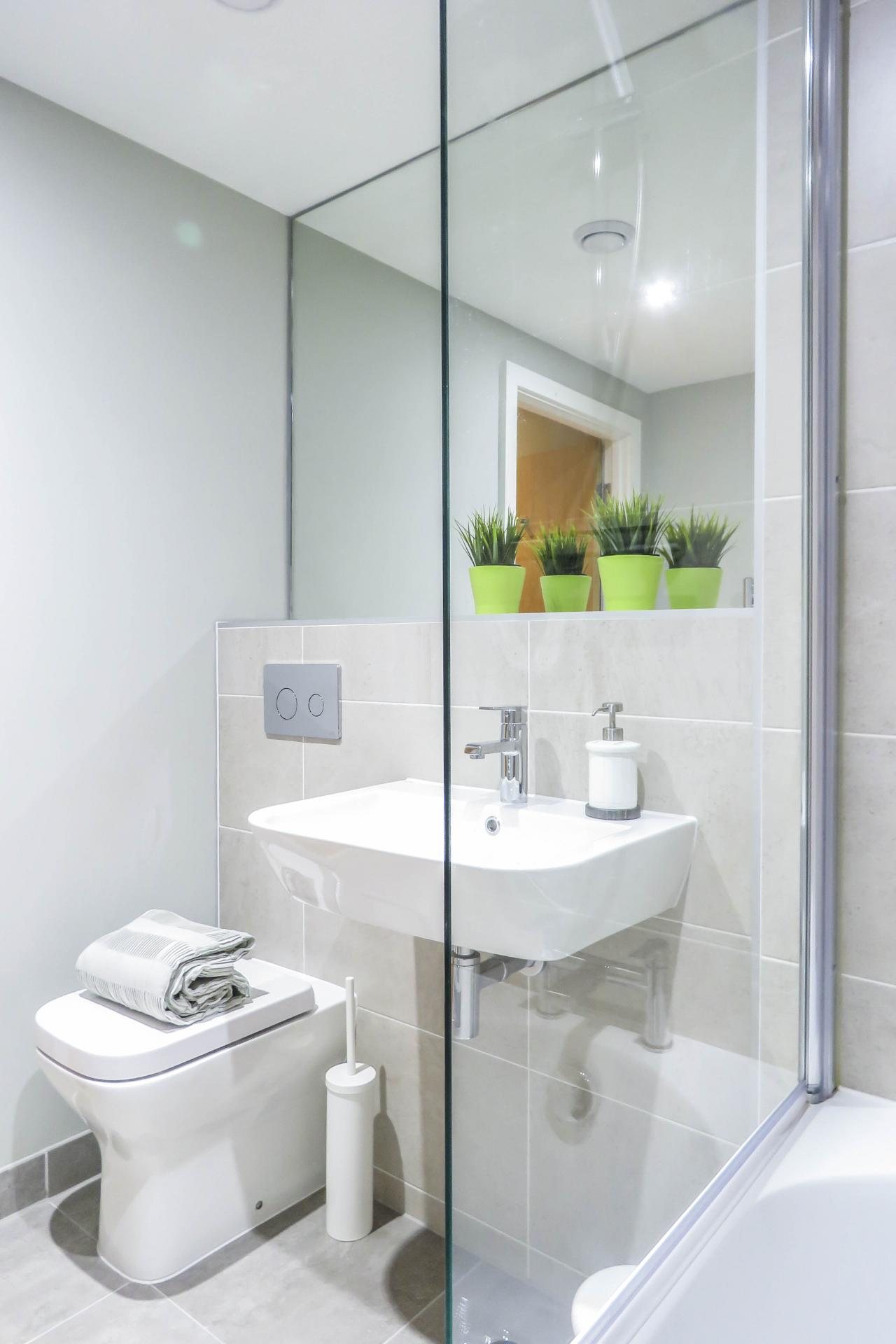 Bathroom at Jewellery Quarter Serviced Apartments - Citybase Apartments