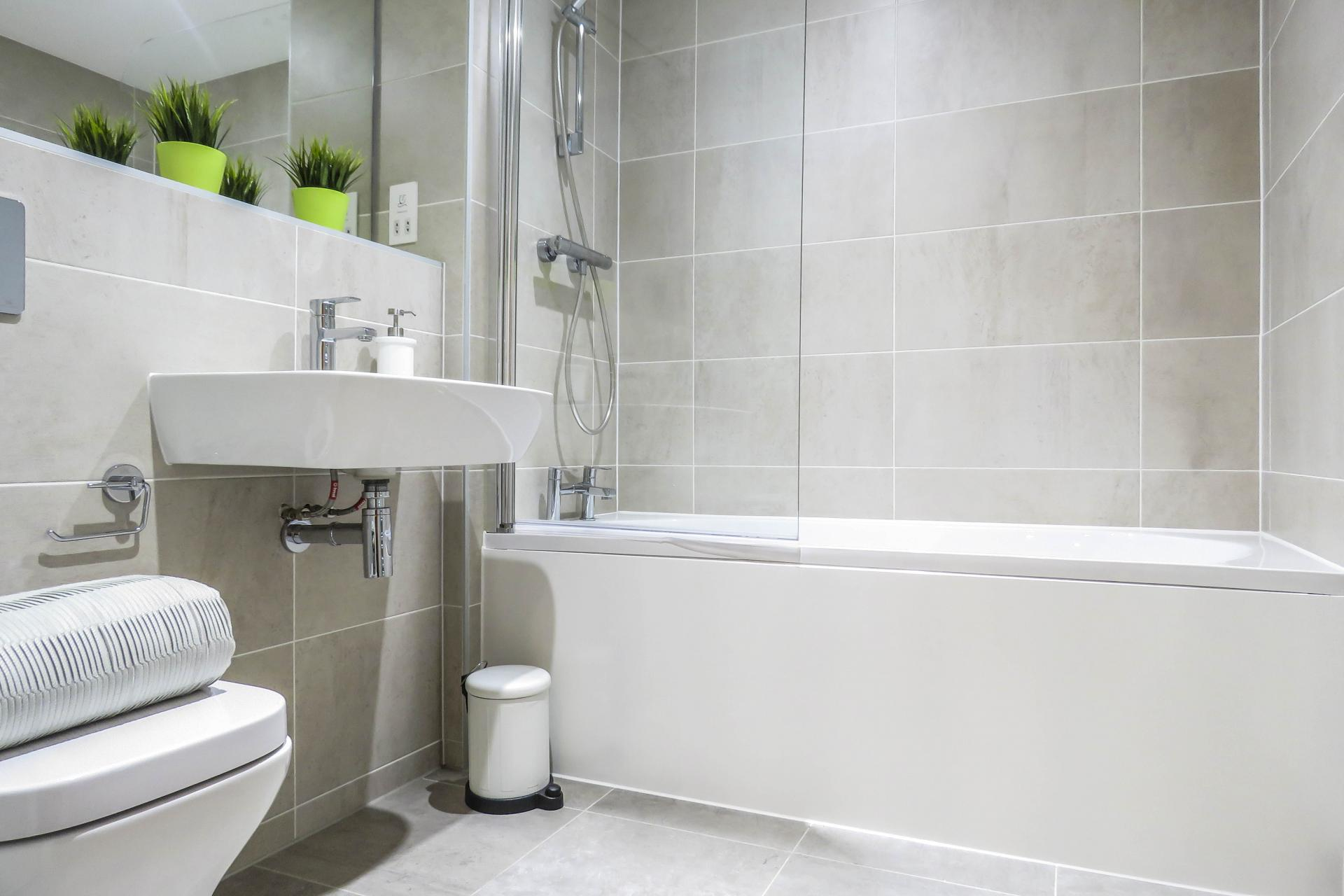 Bath at Jewellery Quarter Serviced Apartments - Citybase Apartments