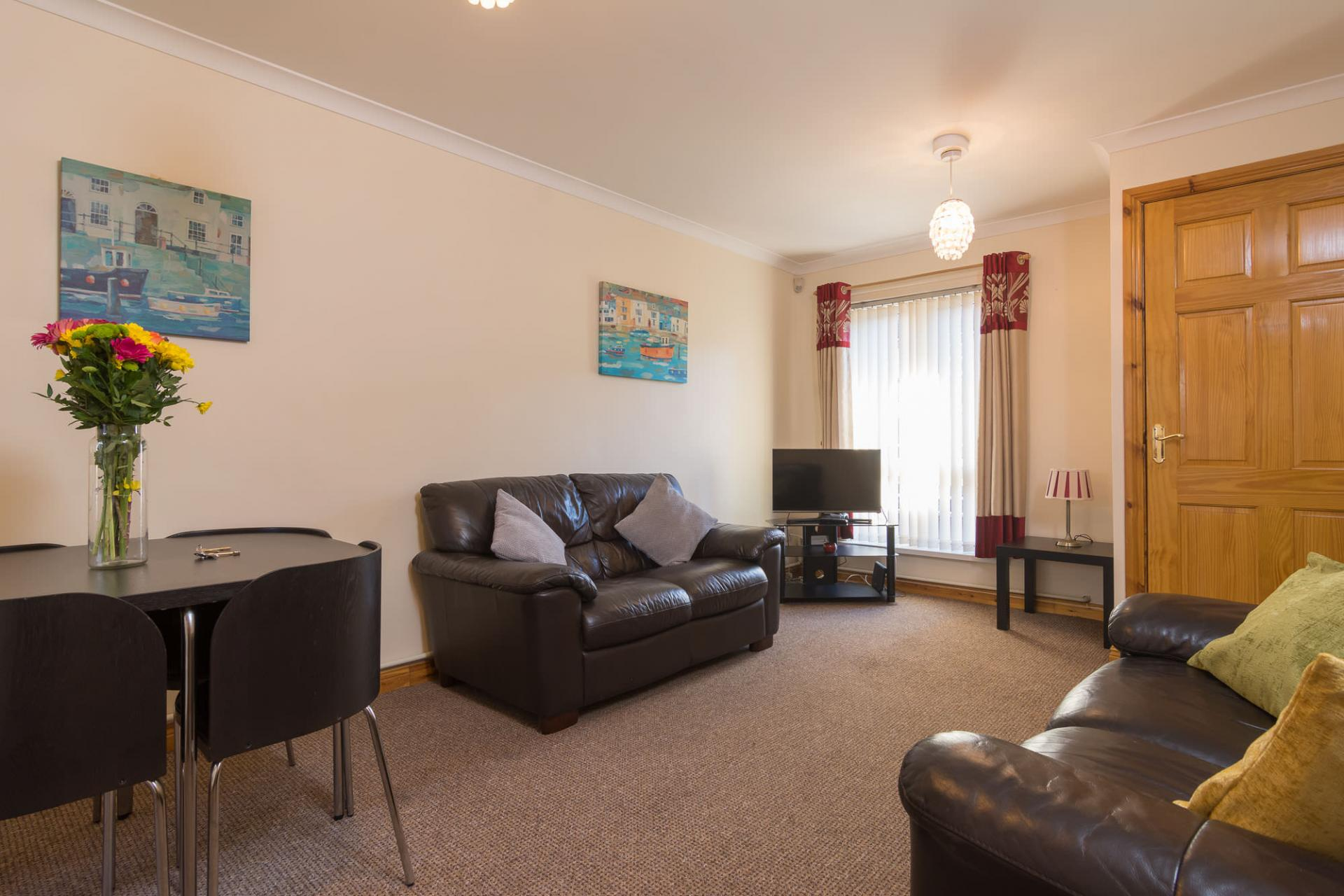 Living room at Ashburne Place Apartment - Citybase Apartments