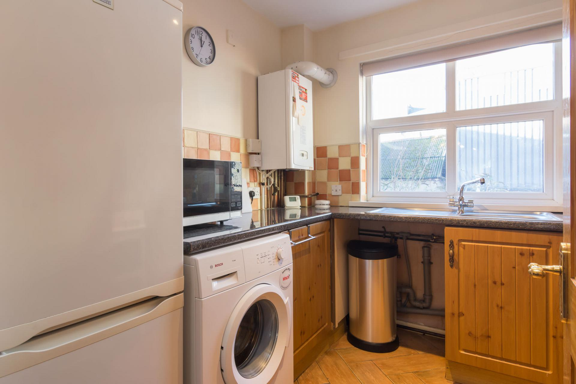 Kitchen at Ashburne Place Apartment - Citybase Apartments