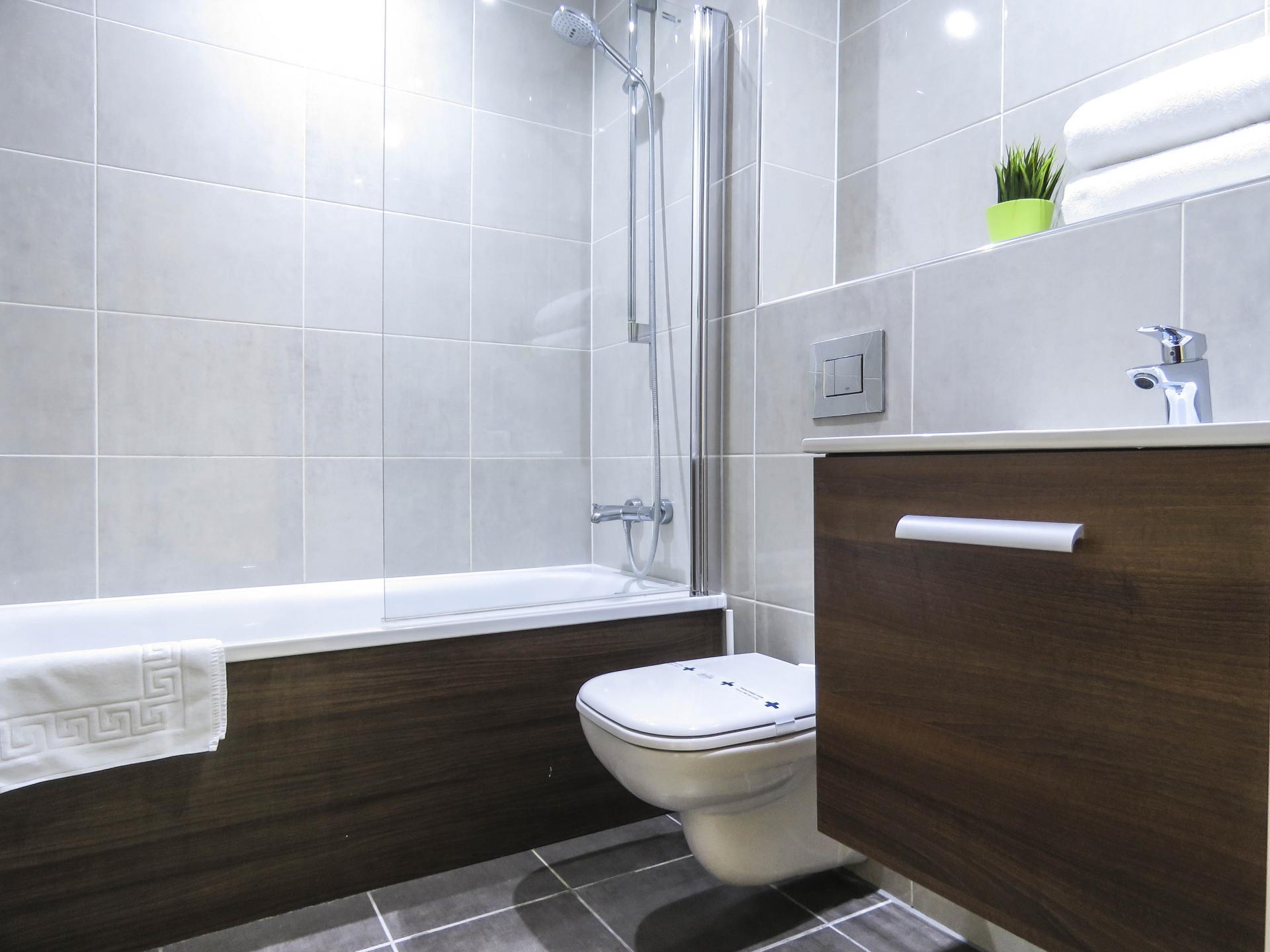 Bathroom at Hagley Road Serviced Apartment - Citybase Apartments