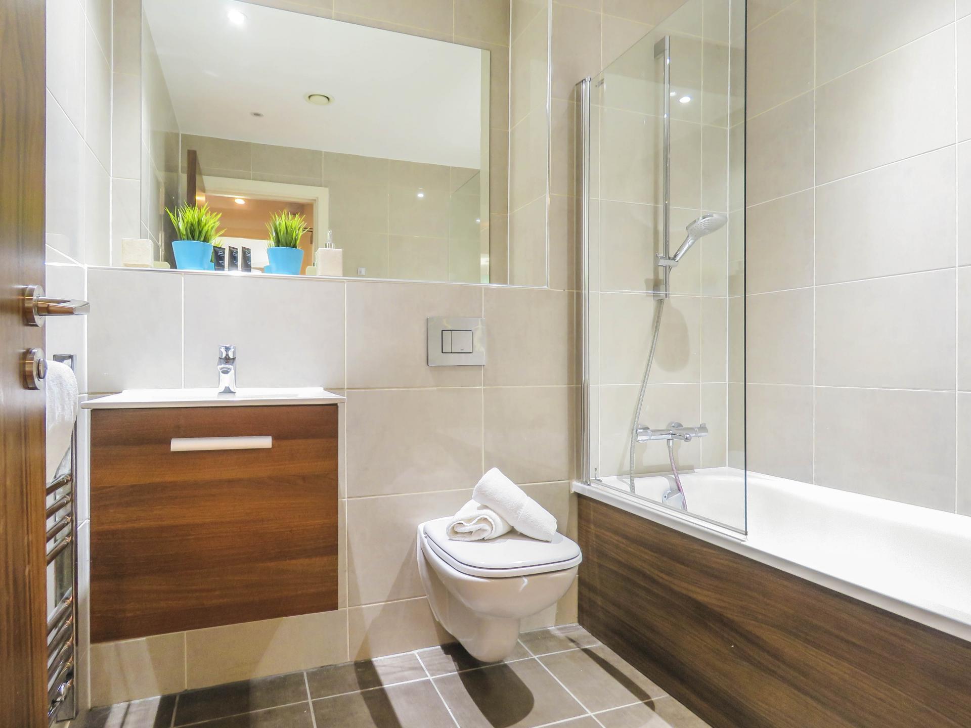 Bath at Hagley Road Serviced Apartment - Citybase Apartments
