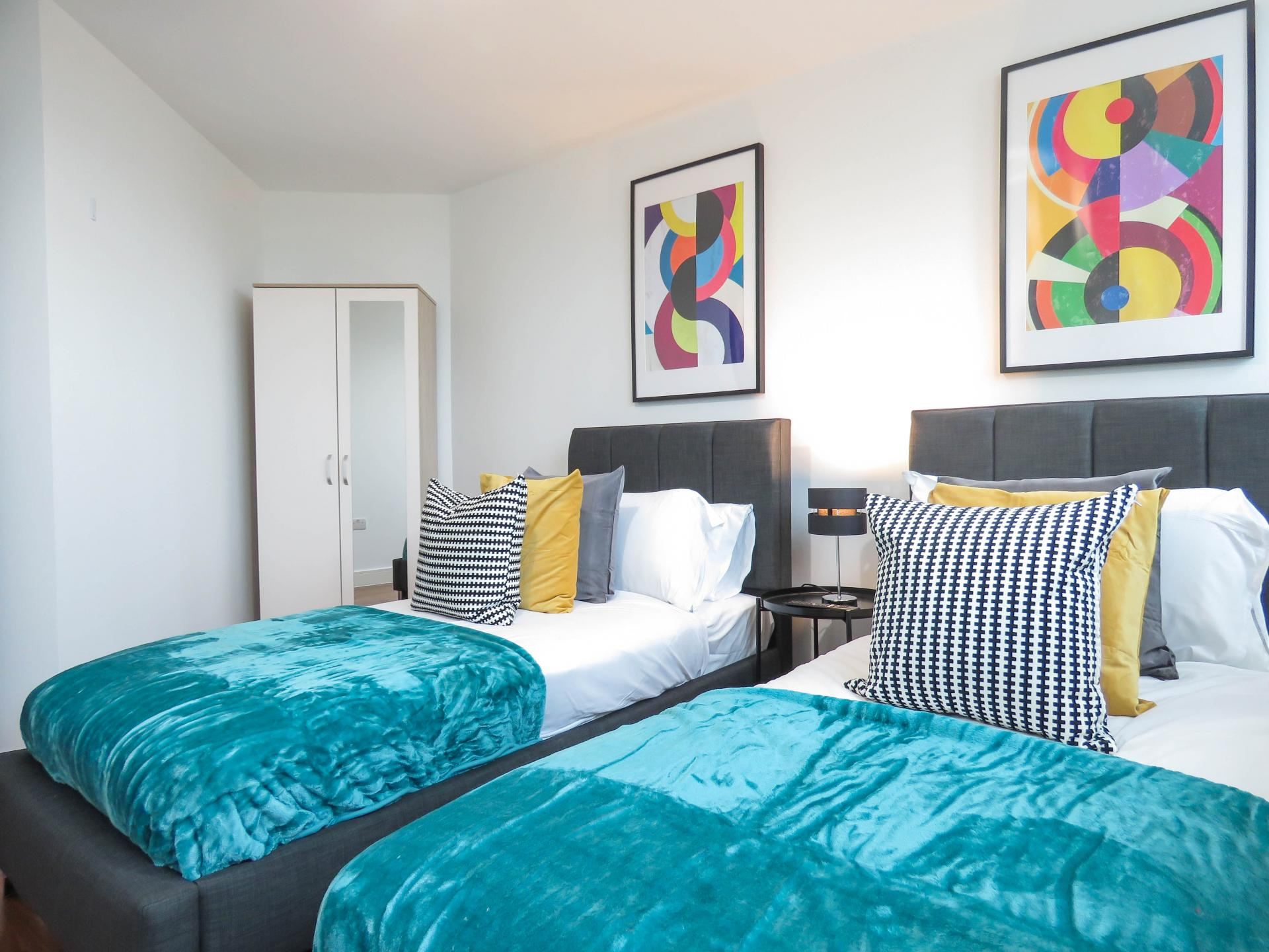 Twin bedroom at Hagley Road Serviced Apartment - Citybase Apartments