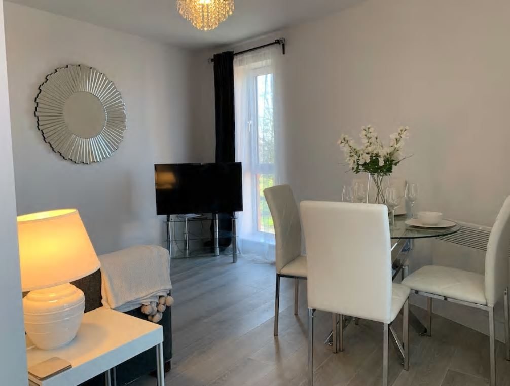 Dining table at Barall Court Apartments - Citybase Apartments