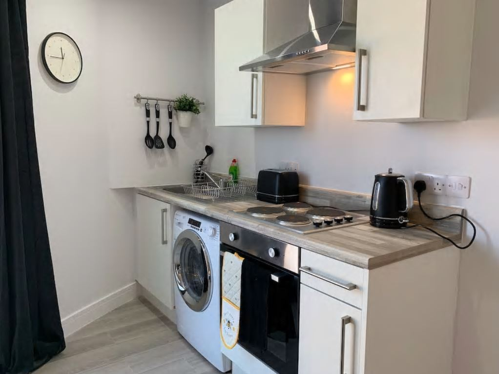 Kitchen at Barall Court Apartments - Citybase Apartments