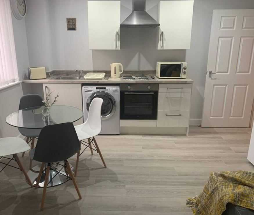 Modern kitchen at Barall Court Apartments - Citybase Apartments