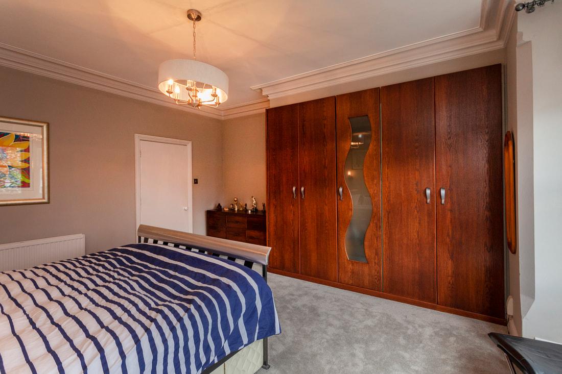 Wardrobe at Trent Bridge House - Citybase Apartments