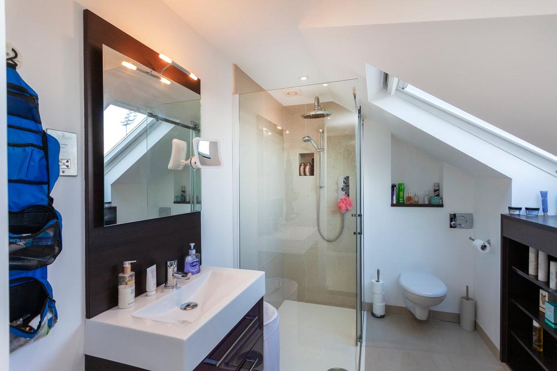 Toilet at Trent Bridge House - Citybase Apartments