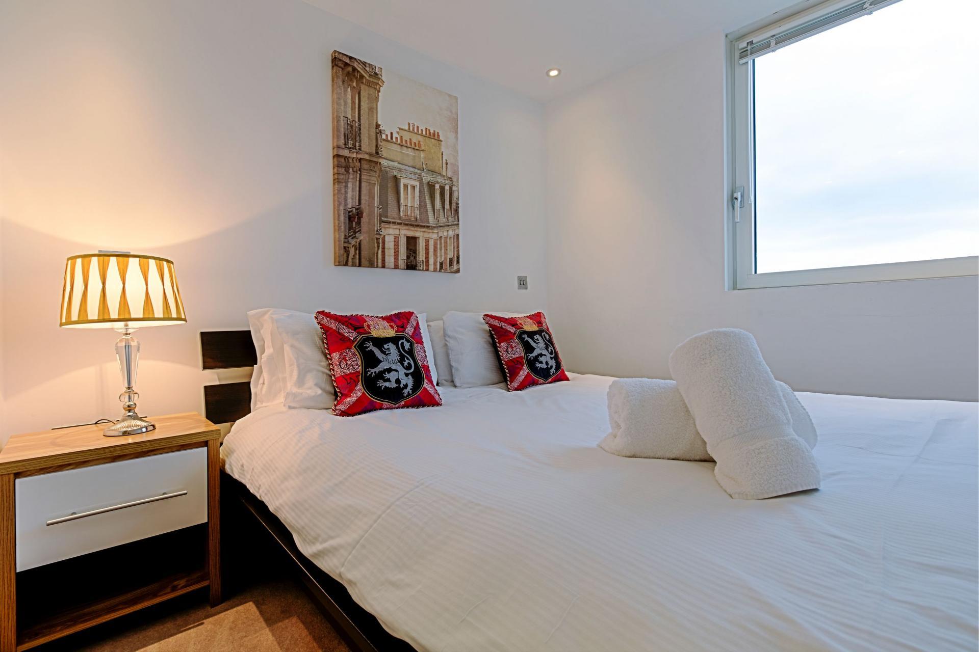 Cosy bed at Gunwharf Quays Serviced Apartments - Citybase Apartments