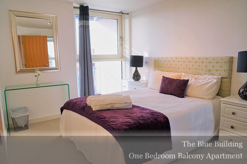 Spacious bedroom at Gunwharf Quays Serviced Apartments, Gunwharf Quays, Portsmouth - Citybase Apartments