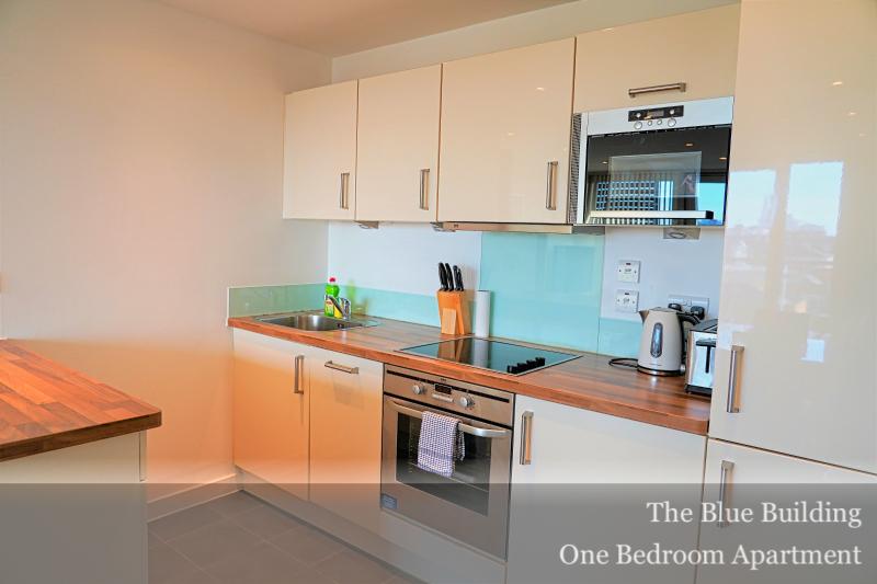 Oven at Gunwharf Quays Serviced Apartments, Gunwharf Quays, Portsmouth - Citybase Apartments