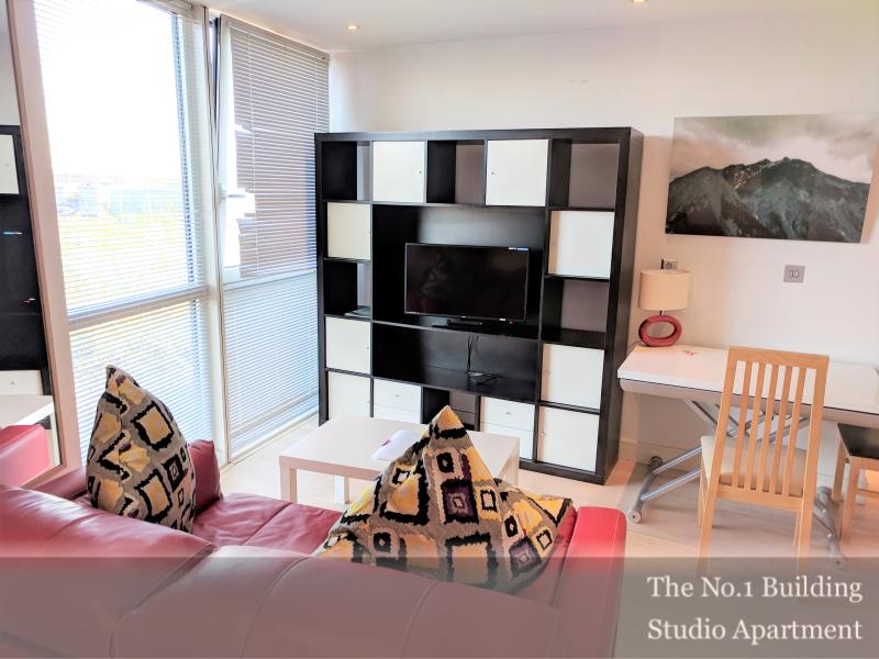 TV set at Gunwharf Quays Serviced Apartments, Gunwharf Quays, Portsmouth - Citybase Apartments