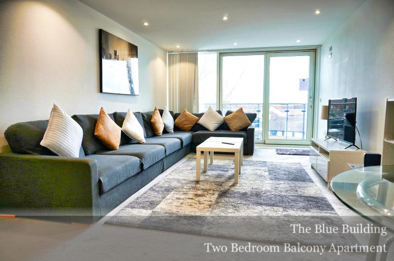 Living room at Gunwharf Quays Serviced Apartments, Gunwharf Quays, Portsmouth - Citybase Apartments