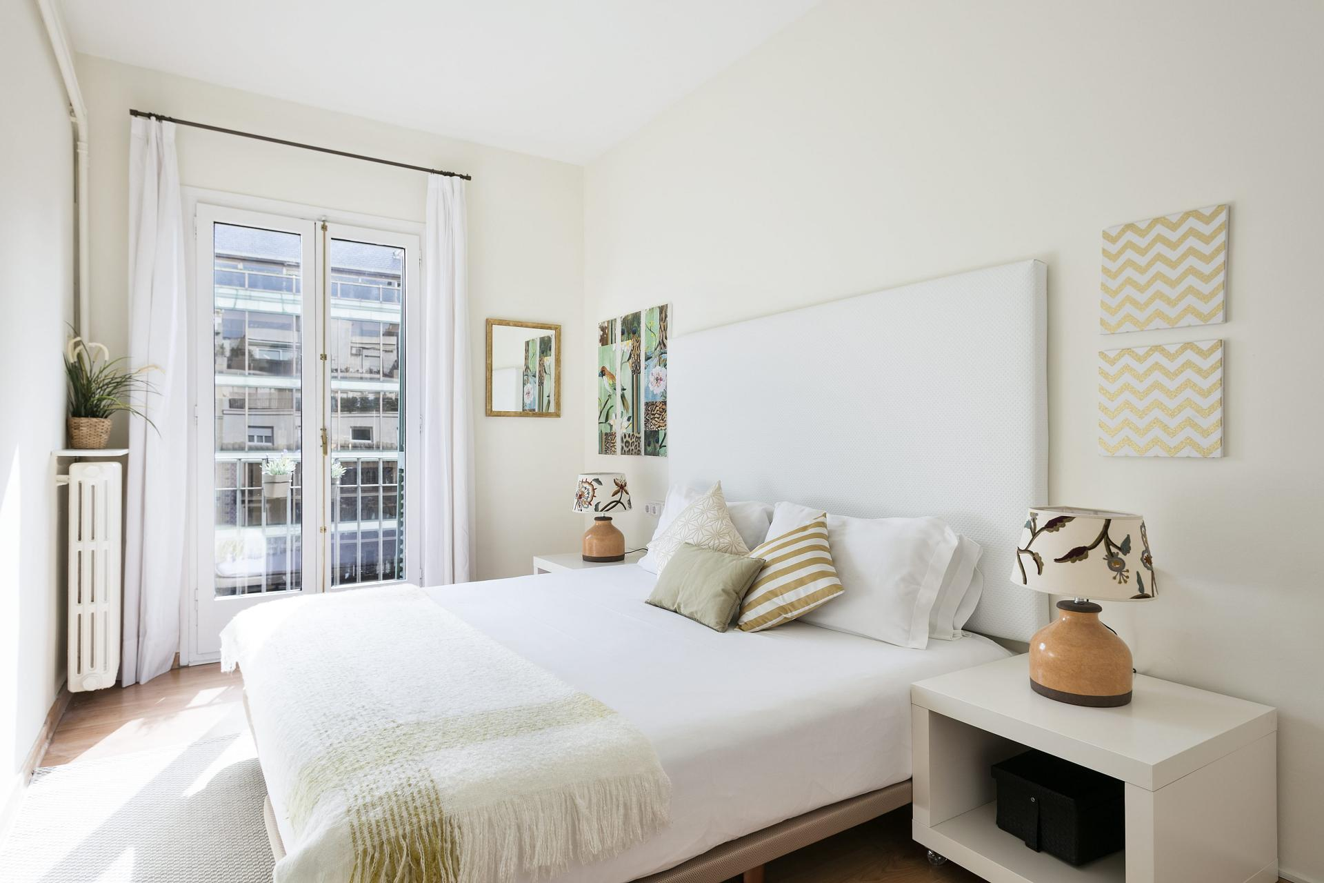 Bedroom at Sunny Serviced Apartments, Eixample, Barcelona - Citybase Apartments