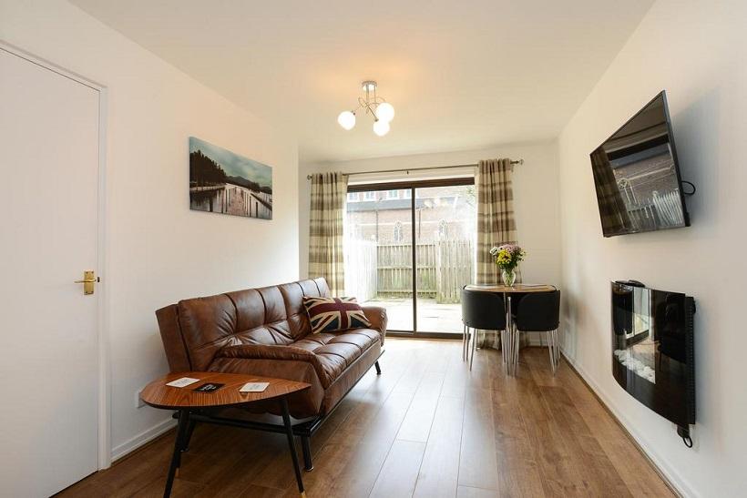 Lounge at The Meadows Apartment, The Meadows, Nottingham - Citybase Apartments