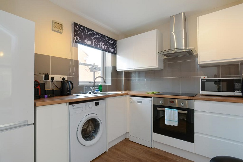 Kitchen at The Meadows Apartment, The Meadows, Nottingham - Citybase Apartments