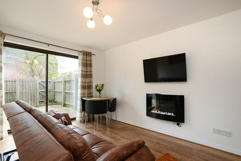 TV at The Meadows Apartment, The Meadows, Nottingham - Citybase Apartments