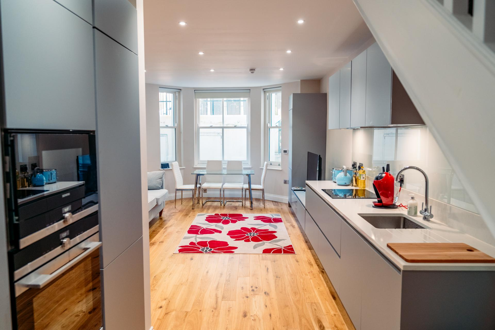 Modern kitchen at Cromwell Road Serviced Apartments - Citybase Apartments