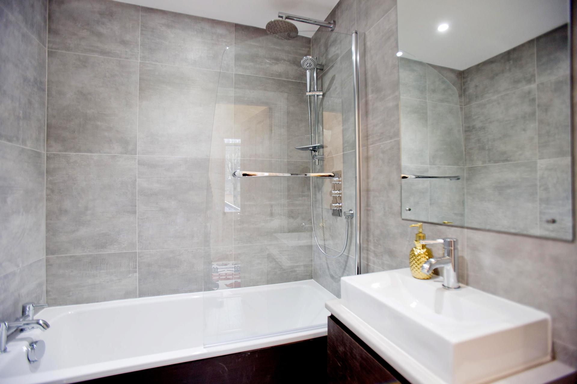 Modern bathroom at Cromwell Road Serviced Apartments - Citybase Apartments