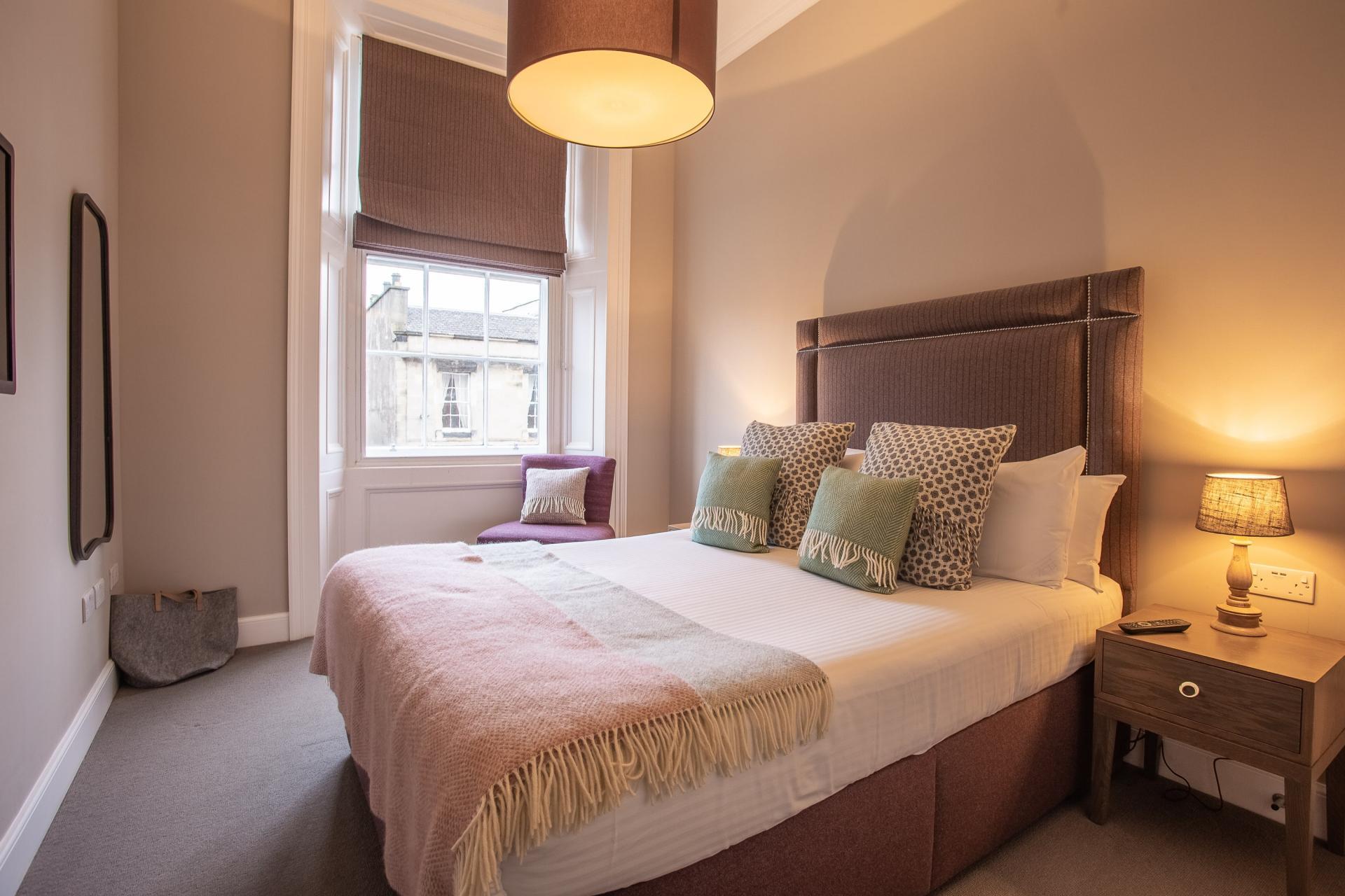 Bed at No.1 Apartments - George IV Bridge Apartments - Citybase Apartments