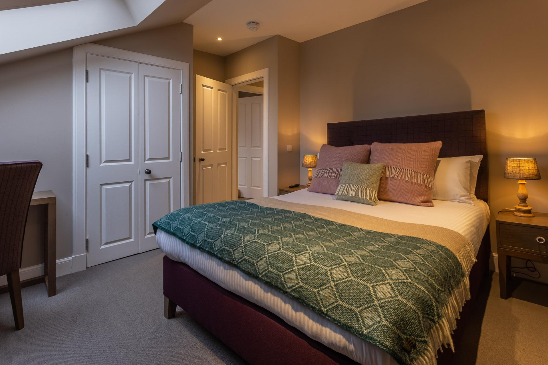 Double bedroom at No.1 Apartments - George IV Bridge Apartments - Citybase Apartments