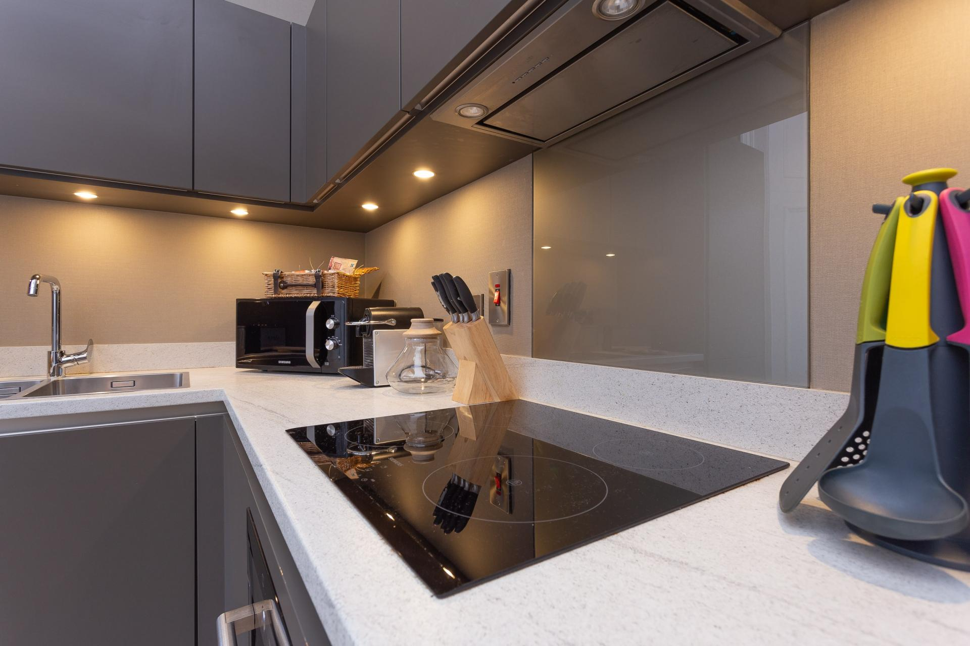 Modern kitchen at No.1 Apartments - George IV Bridge Apartments - Citybase Apartments