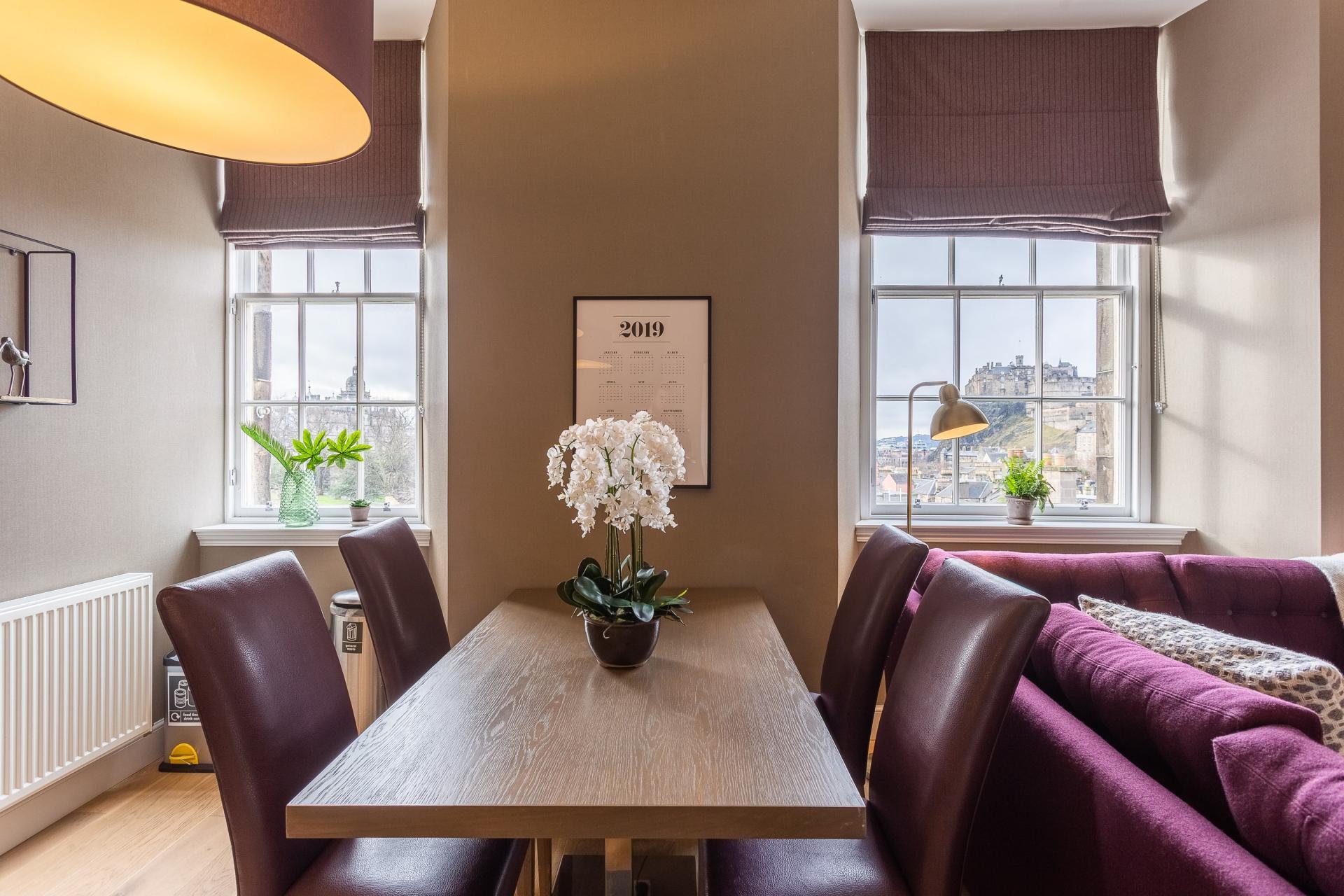 Dining area at No.1 Apartments - George IV Bridge Apartments - Citybase Apartments