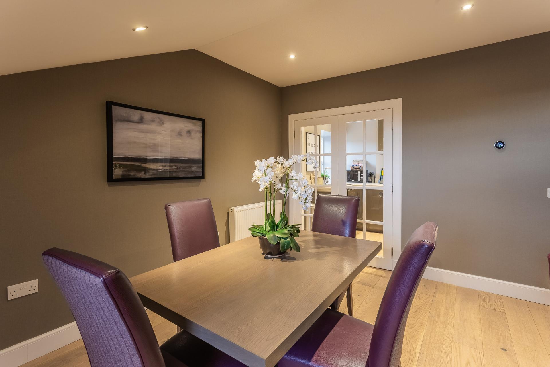 Table at No.1 Apartments - George IV Bridge Apartments - Citybase Apartments