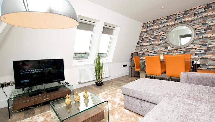 Living room at Rowan Tree Apartments - Citybase Apartments