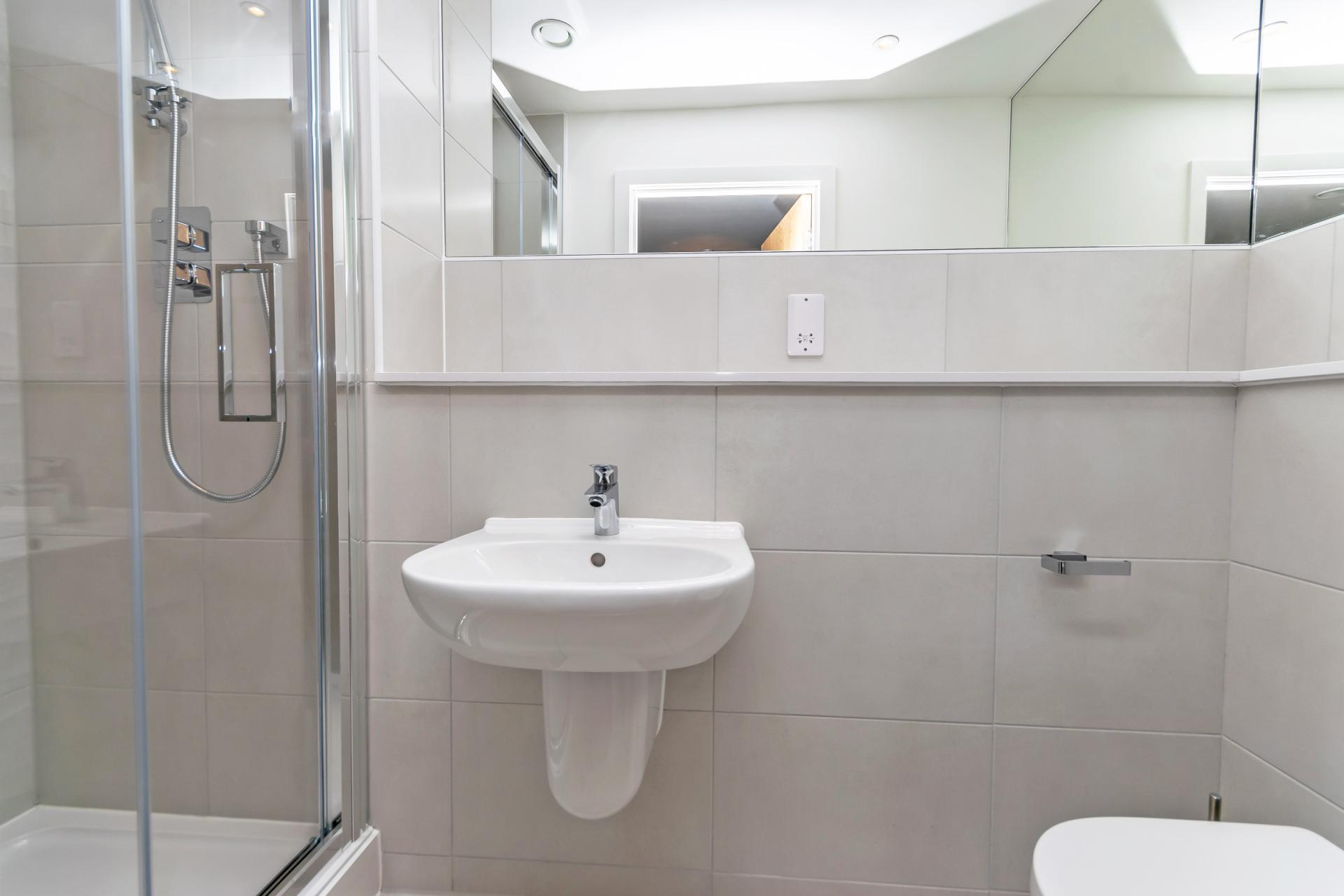 Bathroom at Halo House Serviced Apartments, Green Quarter, Manchester - Citybase Apartments