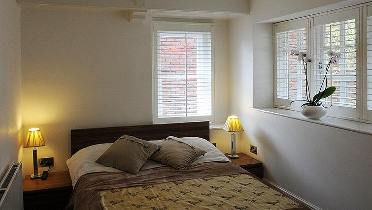 Cosy bedroom in Romeland Apartments - Citybase Apartments