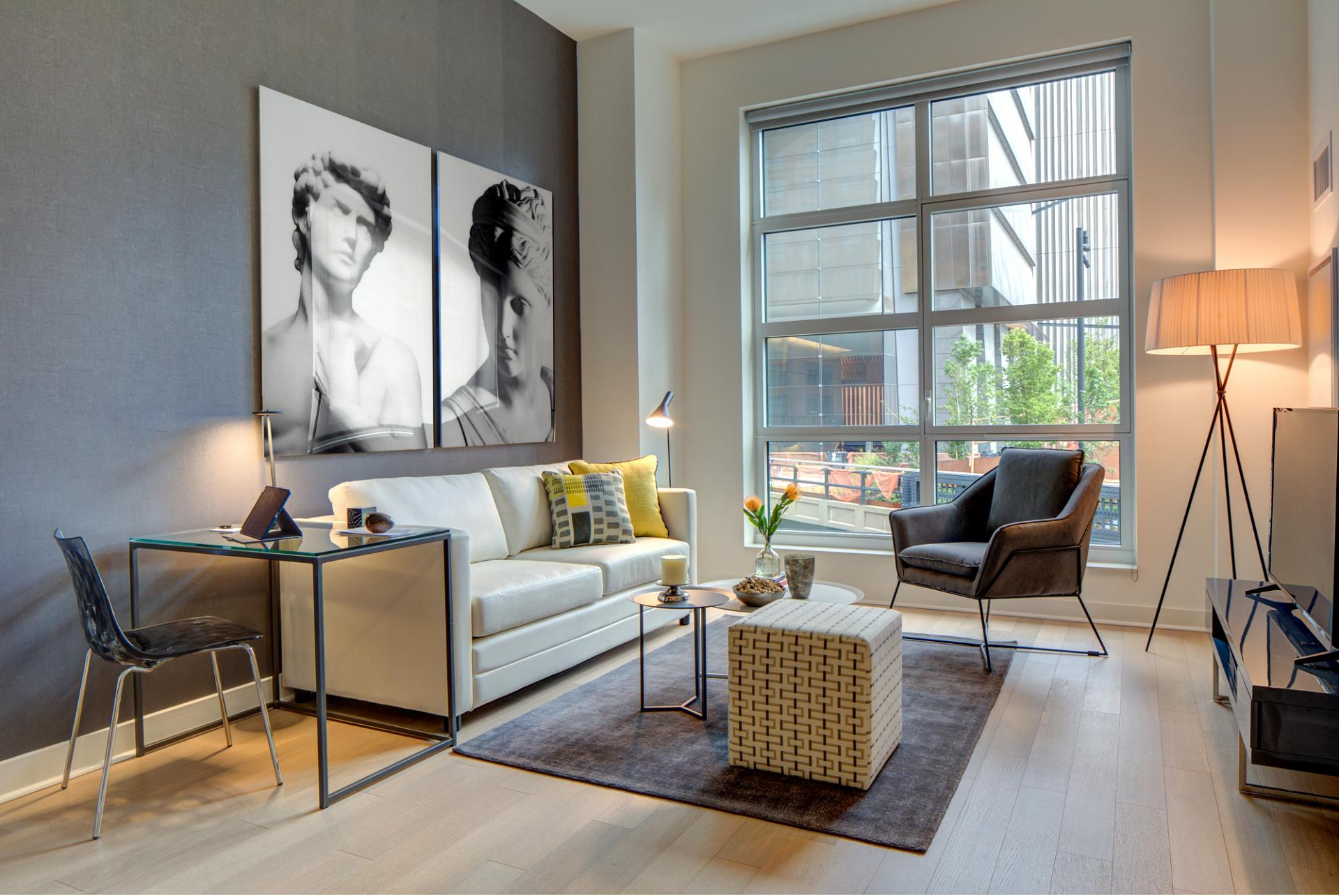 Living room at Abington House Apartments - Citybase Apartments