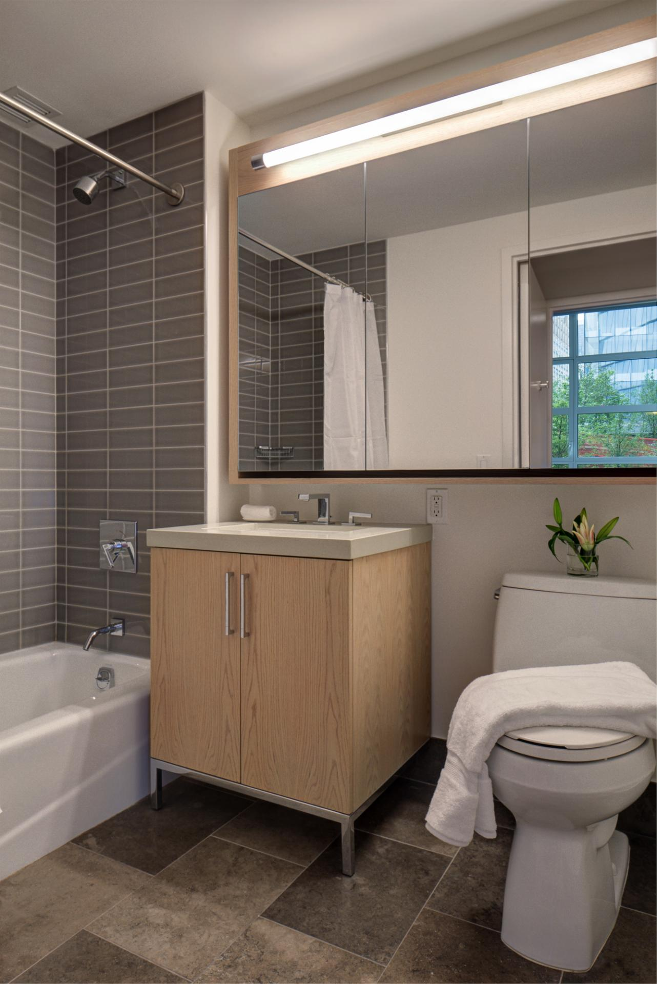 Bathroom at Abington House Apartments - Citybase Apartments