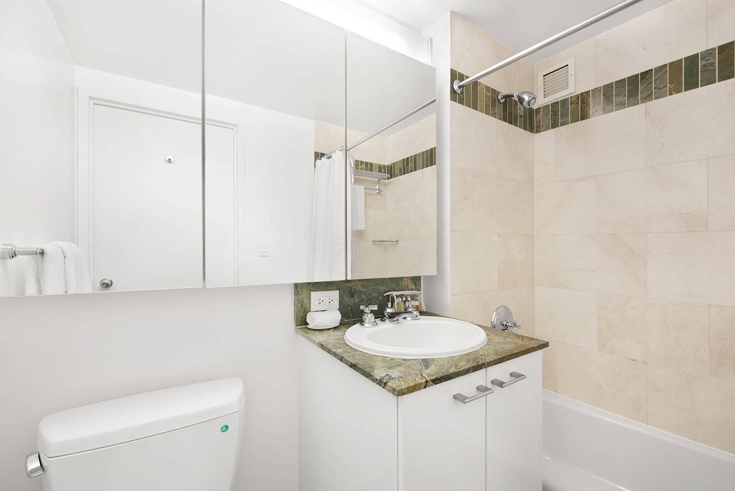 Bath at Tribeca Green Corporate Housing - Citybase Apartments