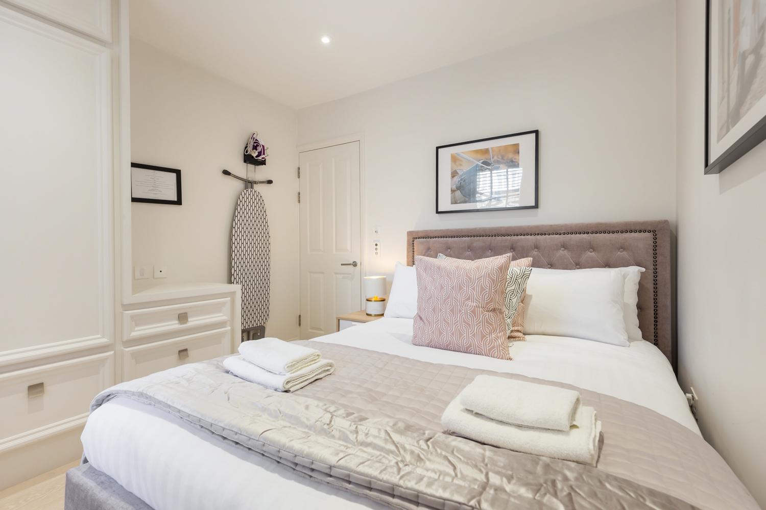Bedroom at Covent Garden Serviced Apartments - Citybase Apartments