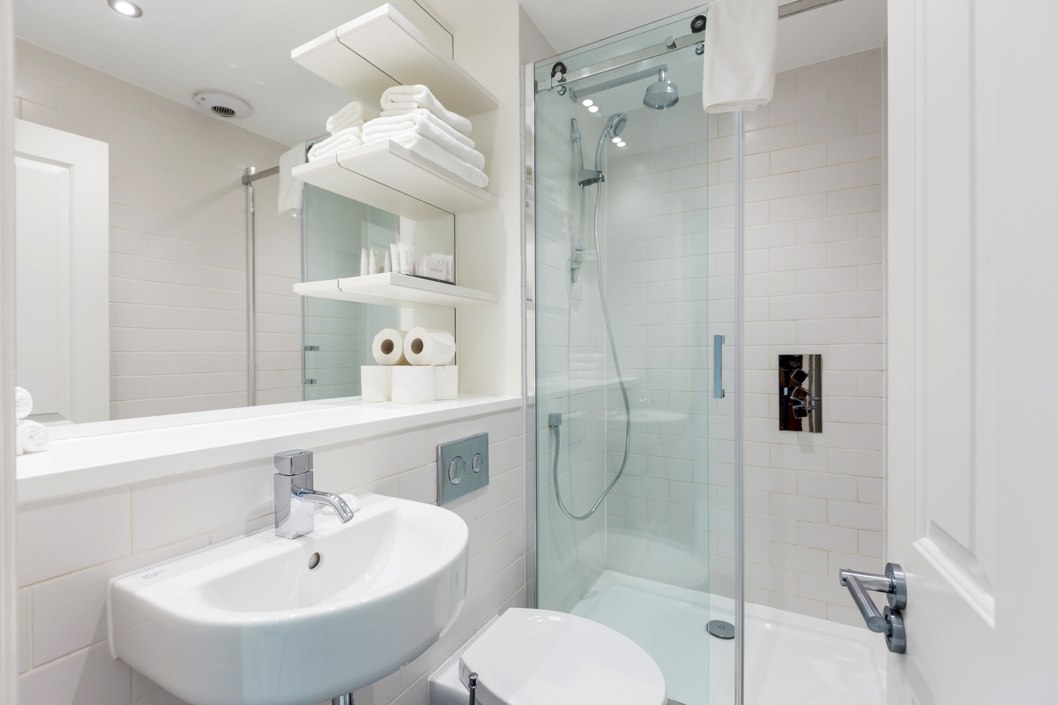 Bathroom at Covent Garden Serviced Apartments - Citybase Apartments