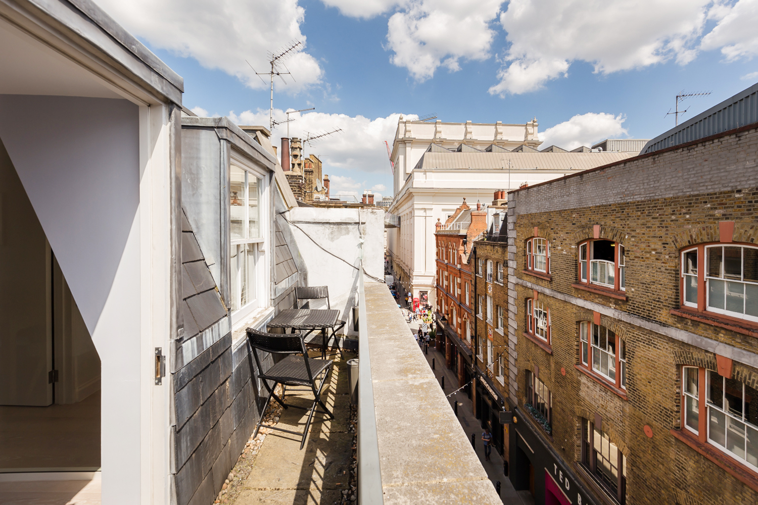 Balcony at Covent Garden Serviced Apartments - Citybase Apartments