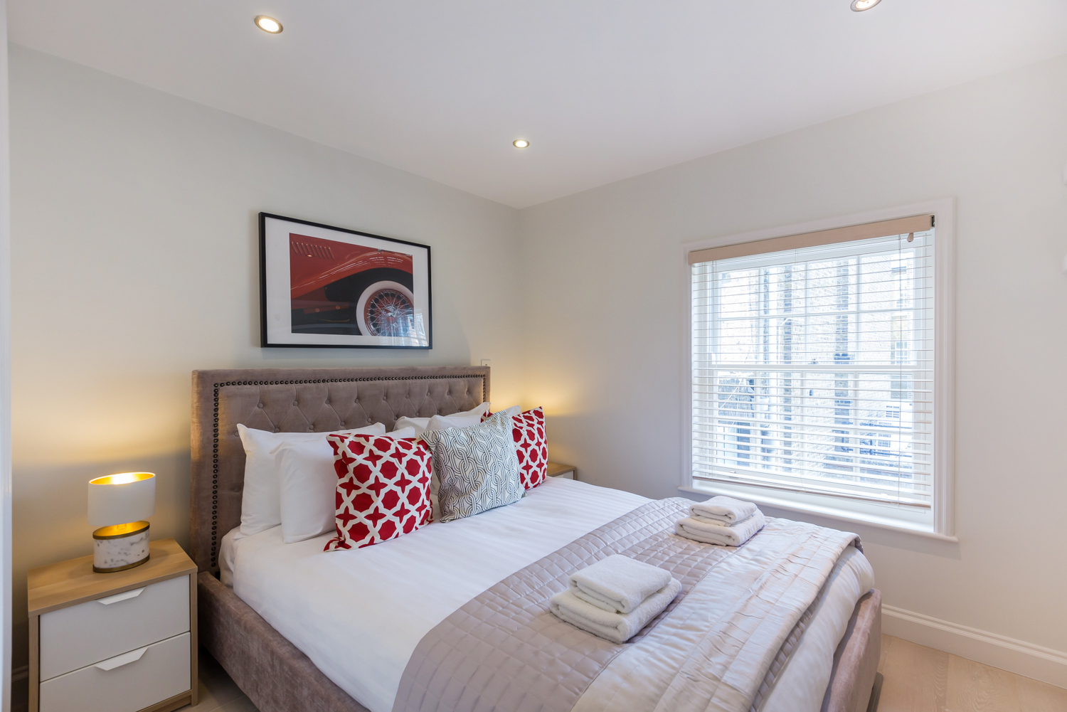 Double bed at Covent Garden Serviced Apartments - Citybase Apartments