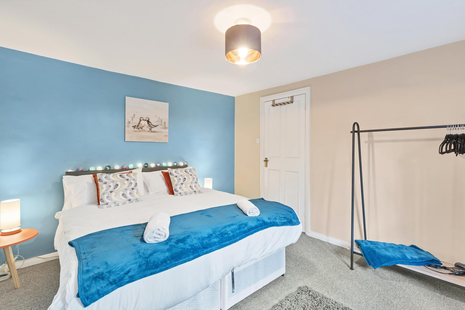 Spacious bedroom at Beach Patio Apartment - Citybase Apartments