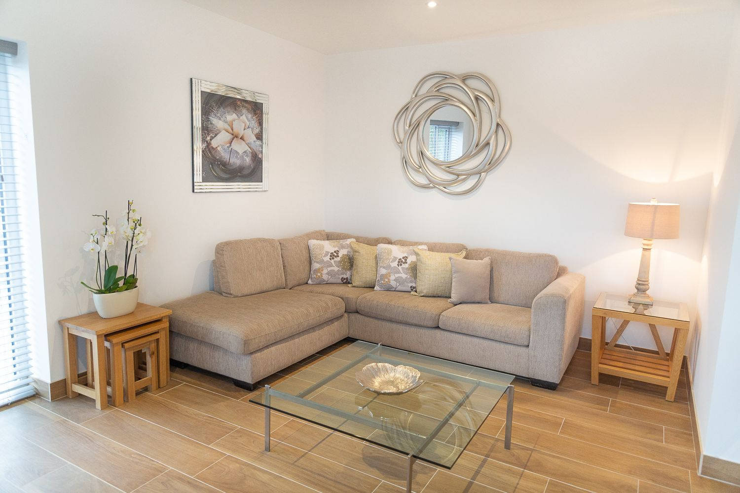 Spacious living area at Franklin House Apartments, King's Hedges, Cambridge - Citybase Apartments