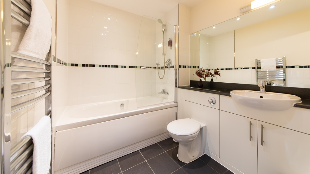 Bathroom at The Spires Birmingham - Citybase Apartments