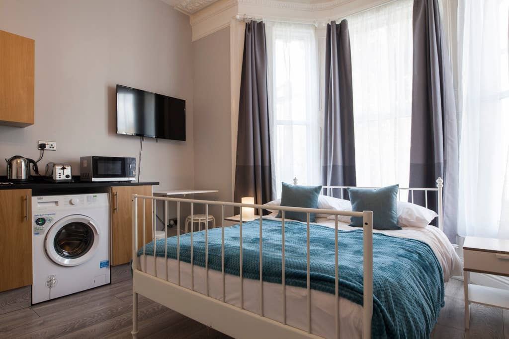 Bright studio at West London Serviced Apartments - Citybase Apartments