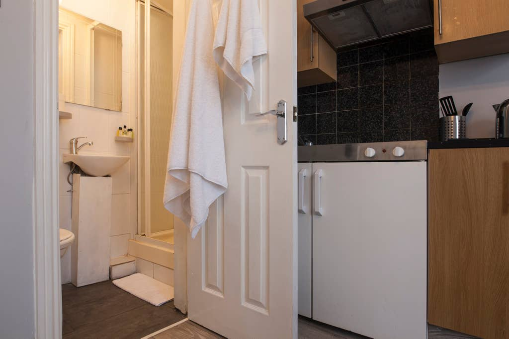 Bathroom at West London Serviced Apartments - Citybase Apartments