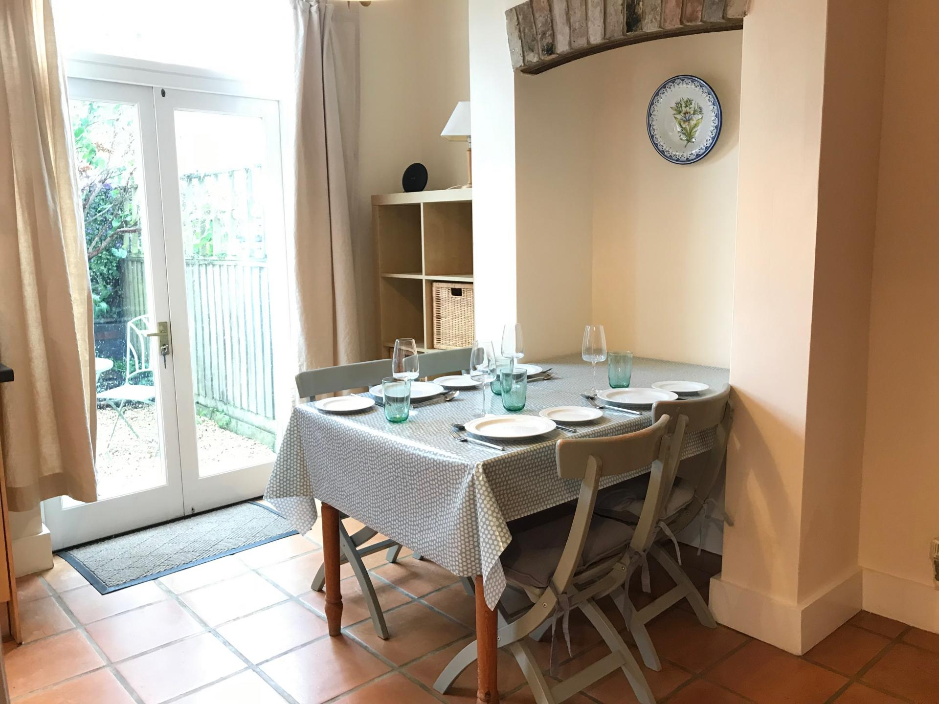 Dining table at Abbey Road Apartment - Citybase Apartments